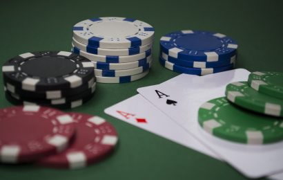 Poker Player's Analysis of Key Hands – How He Played Them