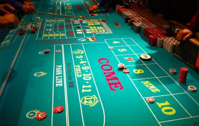 There's Always a Game Going at the Luxor Poker Room